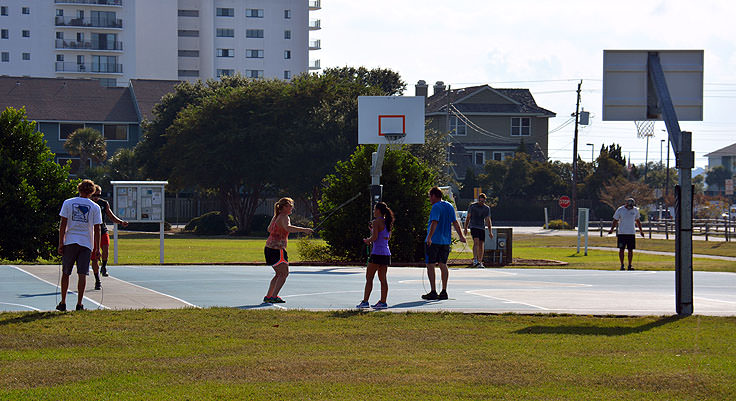 Gym class on the courts at Wrightsville Beach Park